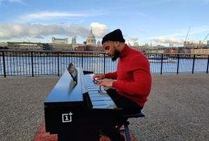 """一加""""one plus""""不做手机,改行做一加钢琴了?"""